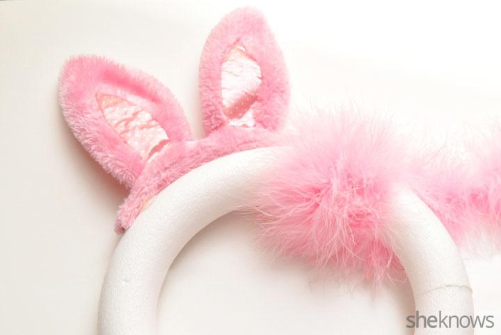 Bunny wreath step 4.