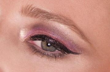 burlesque cat eye makeup