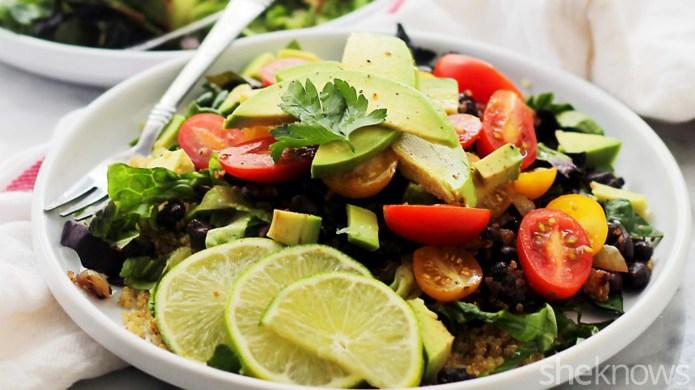 Quinoa burrito bowls for a low-carb