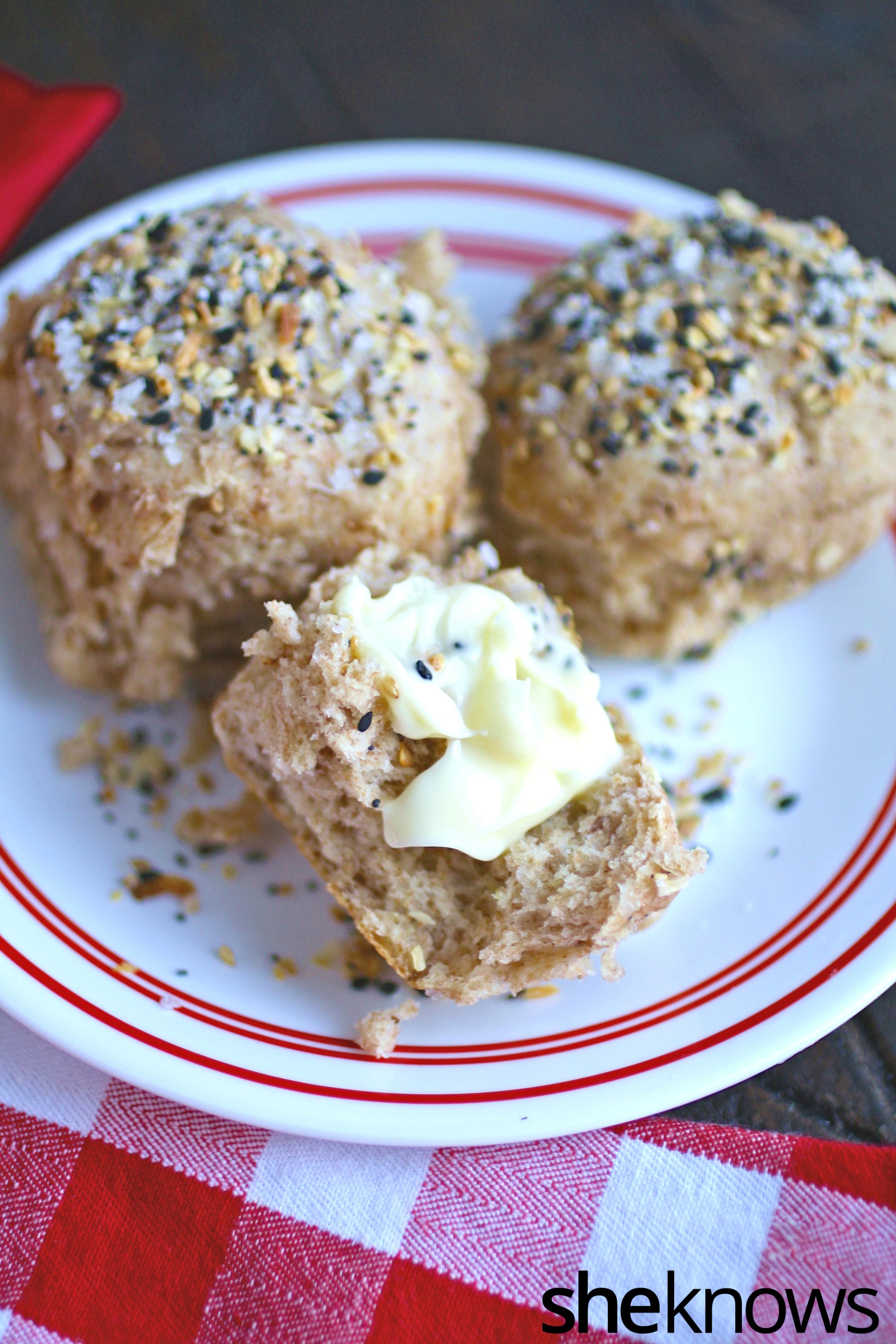 Dinner rolls never tasted better! These easy-to-make everything rolls taste like your favorite bagel, but better