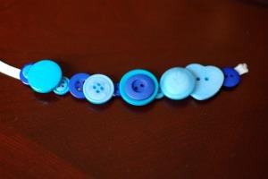 Making a button bracelet