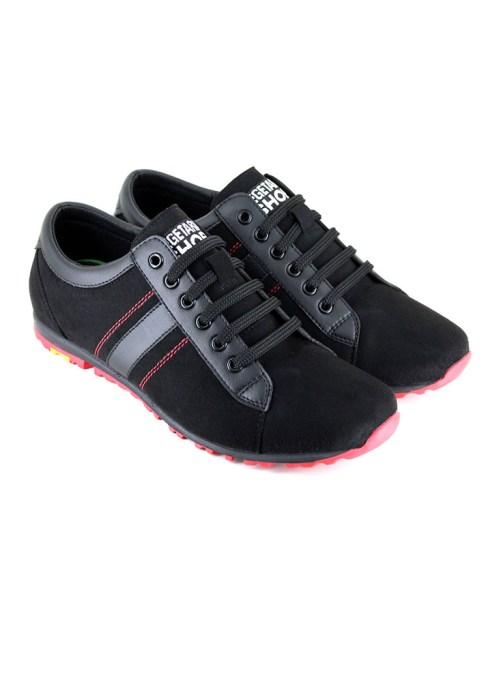 How I Veganized My Closet: | Volks Sneaker (Black) at Vegetarian Shoes