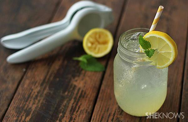 Mason jar drinks perfect for a
