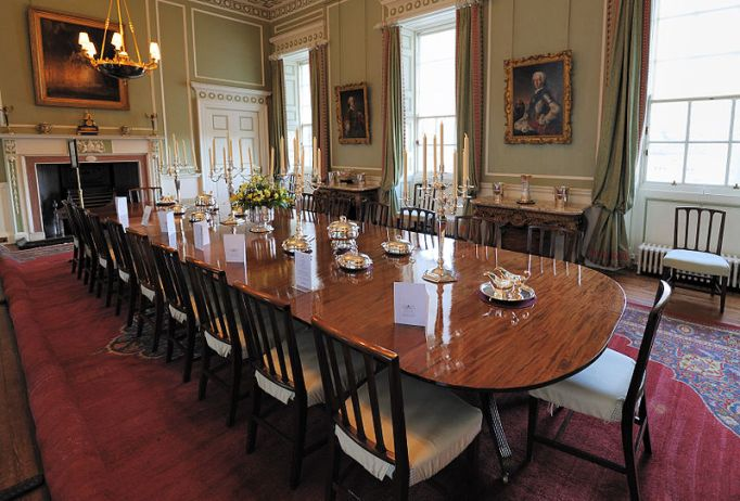 Inside the Royal Castles: Holyroodhouse Dining Room