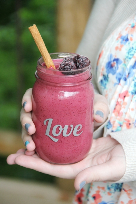 3-Ingredient Summer Smoothies | Summer Eats | Blackberry horchata smoothie