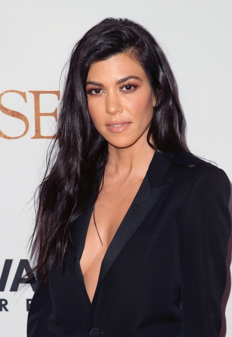 Natural Celebrity Beauty Hacks | Kourtney Kardashian — Apple Cider Vinegar And Coconut Oil Mouthwash