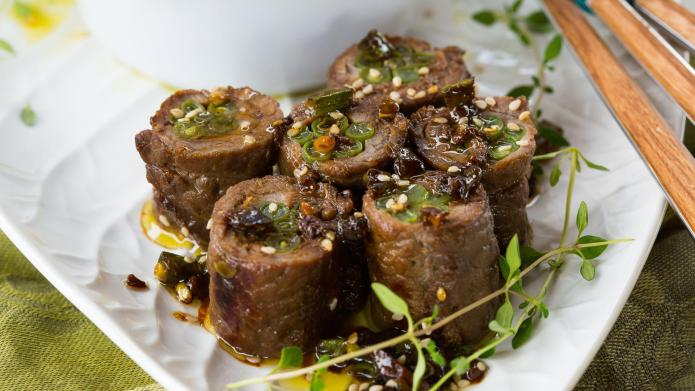 30-Minute teriyaki beef rolls with green