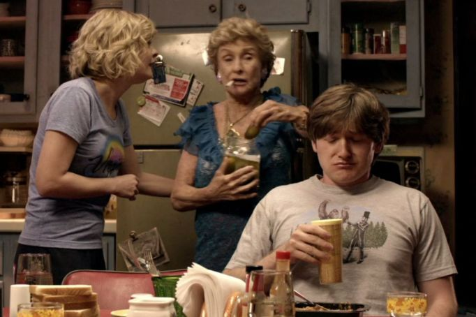 These are the Netflix shows you need to watch ASAP: 'Raising Hope'