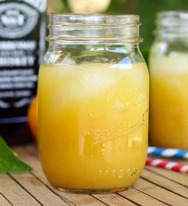 Summer Iced Tea Cocktail Recipes: Tennessee orange sweet tea cocktail