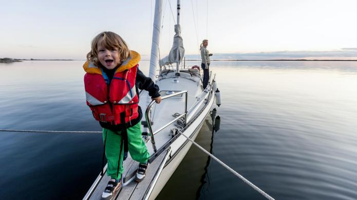 Safety tips for boating with kids