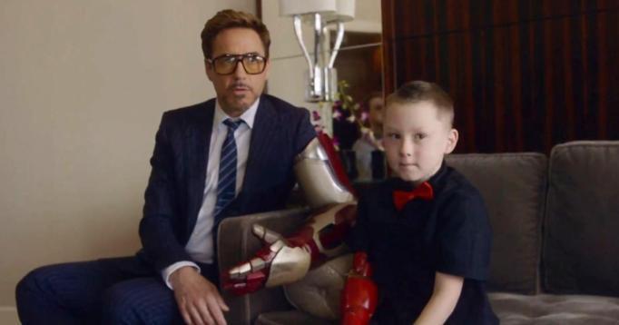 Robert Downey Jr. with fan
