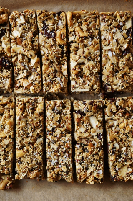 Healthy road trip snacks: easy quinoa granola bars are nutritious and filled with wholesome ingredients like nut butter, dried cherries, coconut and quinoa.