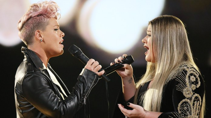 Pink & Kelly Clarkson Try to