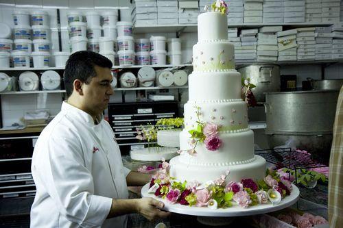 Cake Boss is bringing the cake