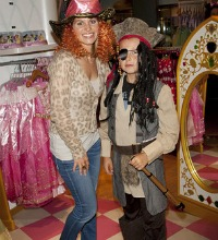 Candace Cameron and son - Jack Sparrow Halloween costume