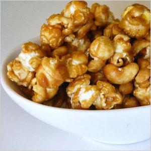 Salted caramel cashew popcorn | Sheknows.com