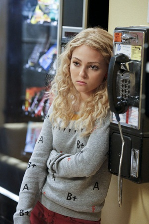The Carrie Diaries Carrie sulks