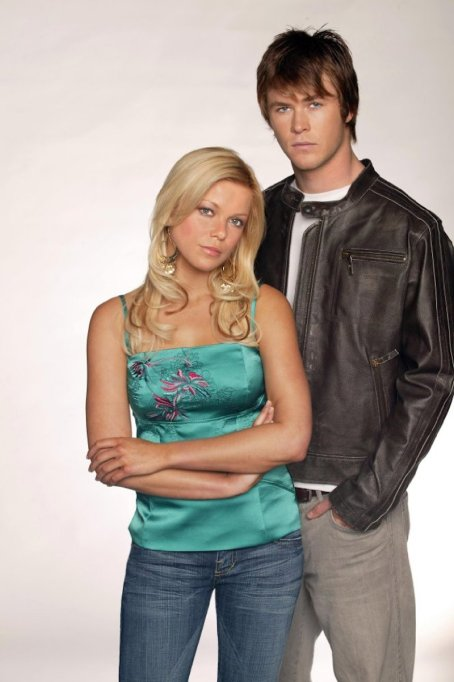 11 roles Chris Hemsworth played before he was Thor: 'Home and Away'