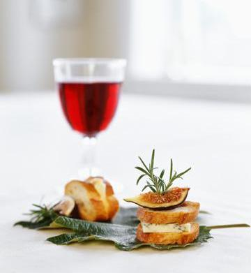 Best holiday appetizer and drink pairings
