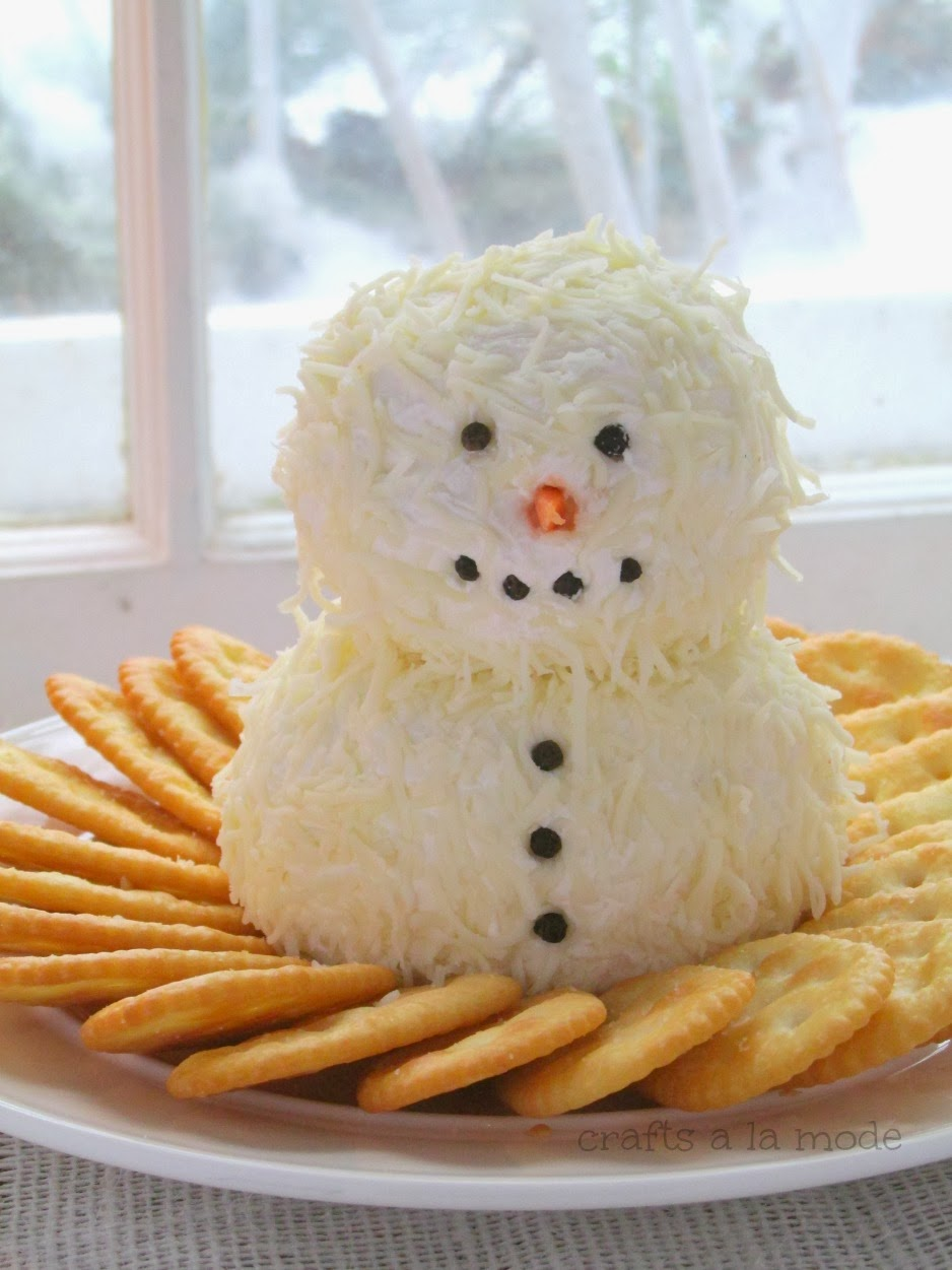 Snowman Cheeseball by Crafts a la mode