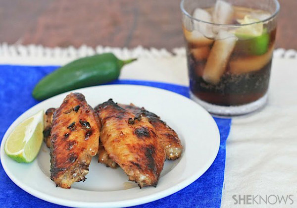 Spicy cola and jalapeño-glazed chicken wings