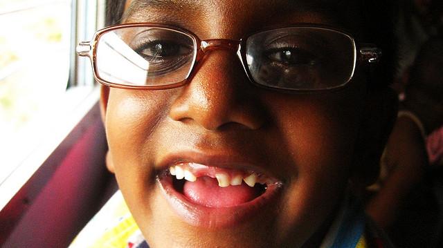 child-wearing-eyeglasses