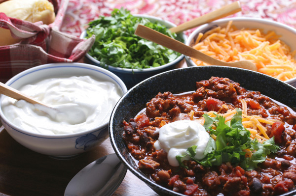 Chili with various toppings