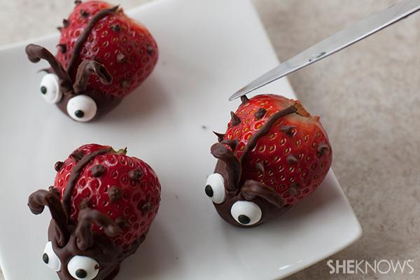 Valentine love bug snacks