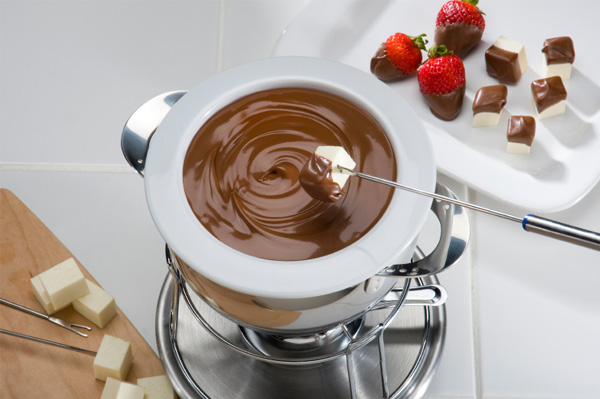 Strawberry with chocolate fondue