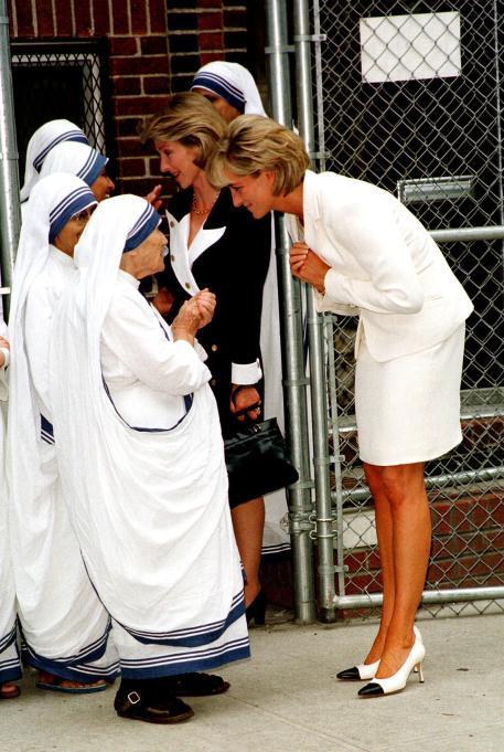 Iconic photos of Princess Diana: Diana meets Mother Teresa