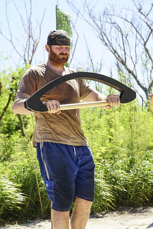 Chris Hammons competes in Immunity challenge on Survivor: Millennialls Vs. Gen-X
