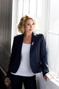 Christina Applegate: breast cancer survivor!