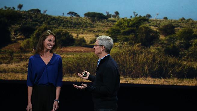 Tim Cook Christy Turlington Apple Watch event