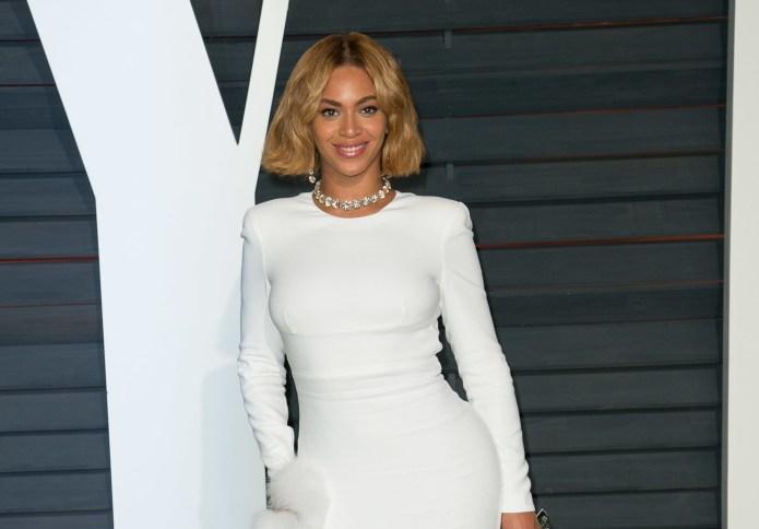 Beyoncé fans track down pictures that