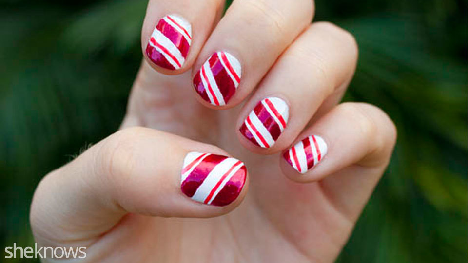 - How To Create A Candy Cane Nail Design – SheKnows