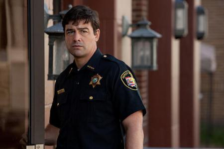 Kyle Chandler finds supernatural success in