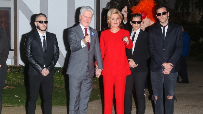 Katy Perry and Orlando Bloom as Bill and Hillary Clinton
