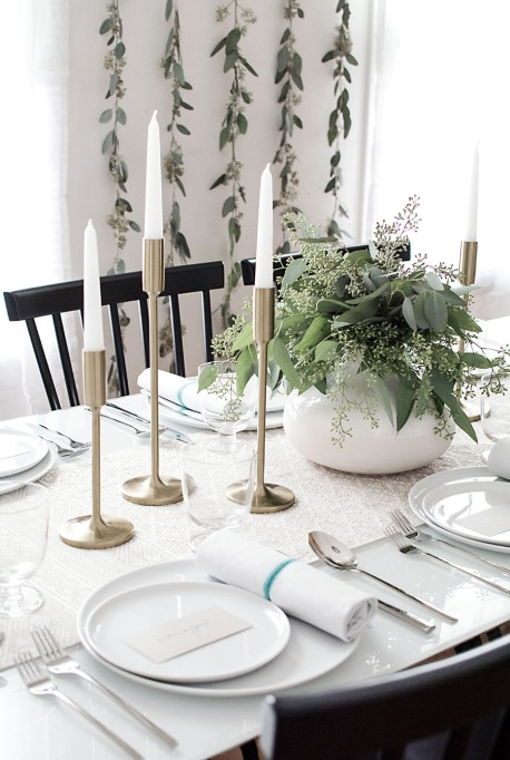 Chic Minimalist Thanksgiving Table Ideas