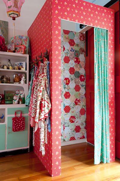 dress up room
