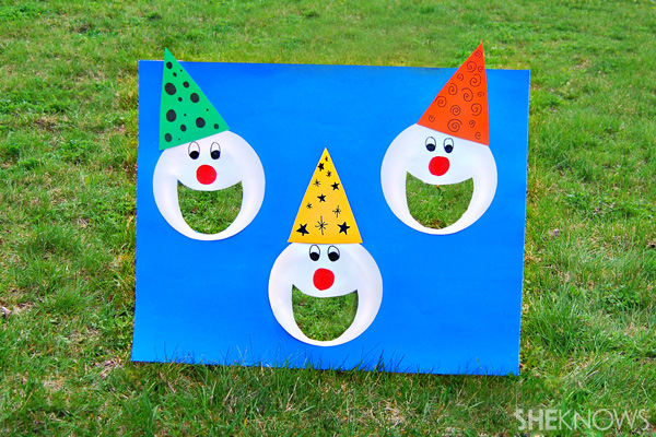 Carnival games - Clown bean bag toss