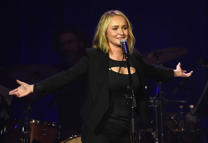 Hayden Panettiere in all black on stage