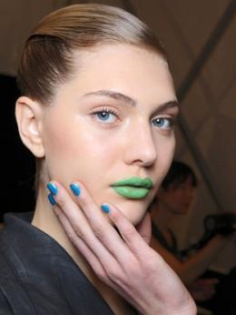 Paint your nails blue for spring