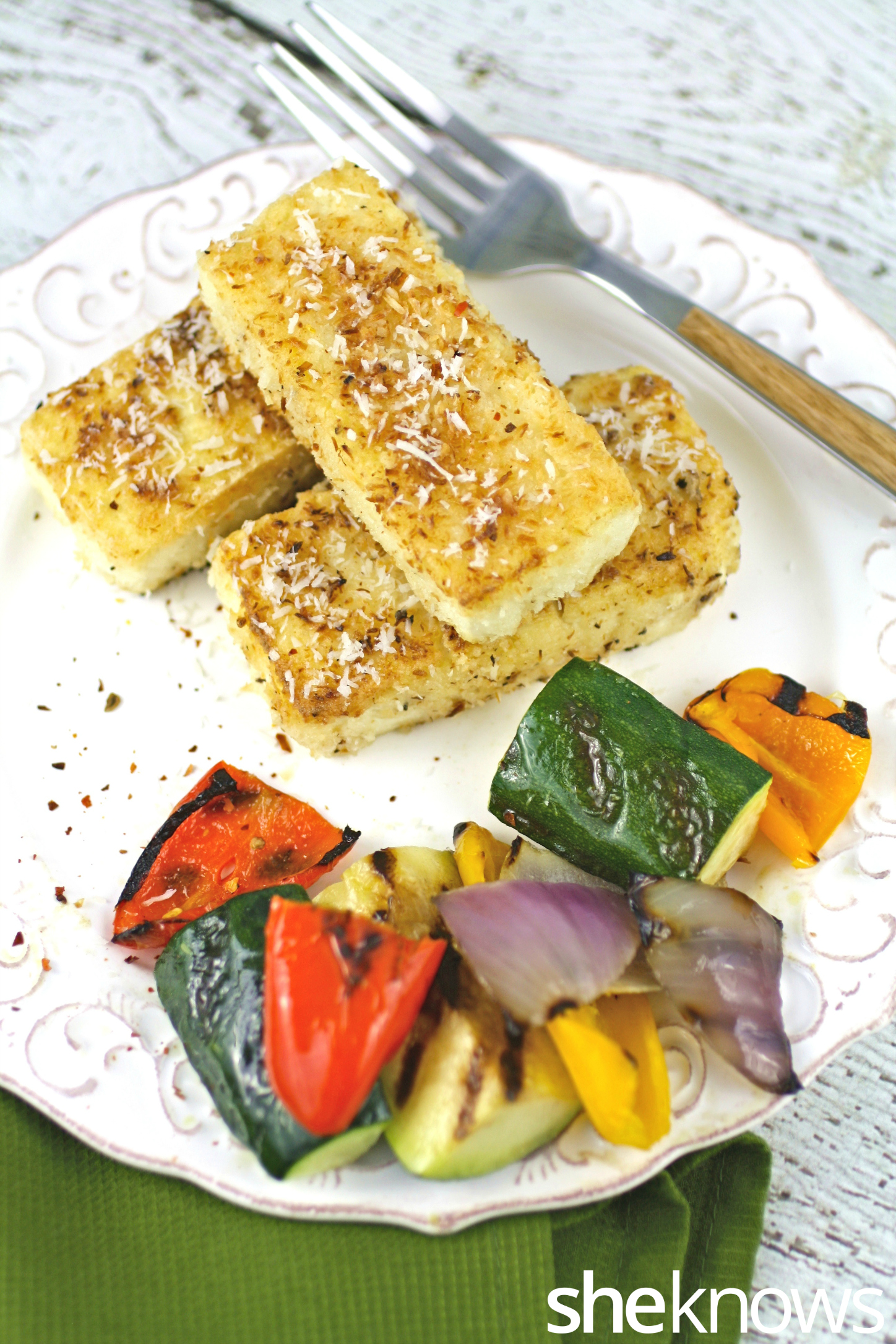 Enjoy this delicious dish: Coconut-crusted tofu with spicy peanut sauce is amazing!