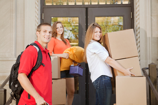 College kids moving into dorm