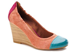 Color blocked wedges