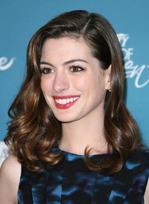 Cool skin -- Anne Hathaway