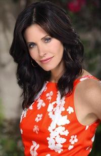 Cougartown star Courteney Cox