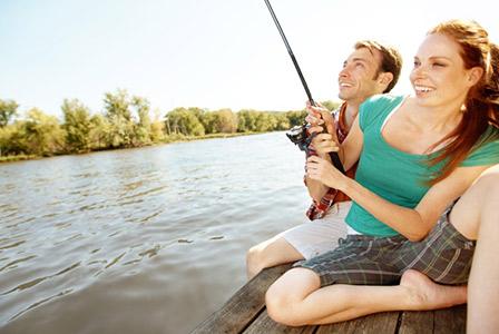 couple fishing at the lake