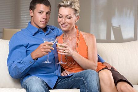 couple drinking oscar-inspired martinis