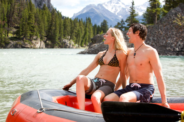 Couple on rafting date